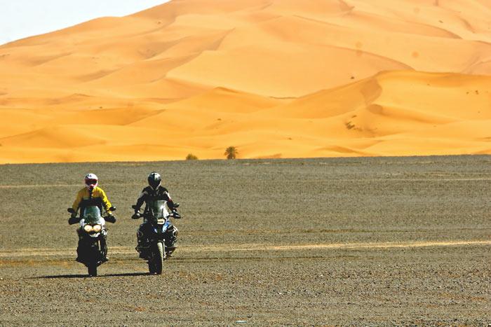 Desierto-BMW GS-&-Triumph Explorer XC. Gustavo Cuervo