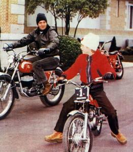 Juan Carlos I y Felipe Principe de Asturias en moto