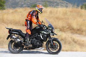 Triumph Explorer XCA Tierra