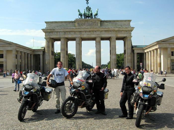 VUELTA AL MUNDO BMW RIDERS. 29ª ETAPA. Berlín-Paris
