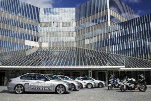 motos y coches BMW se comunican