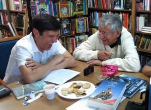 Ted-Simon-y-Gustavo-Cuervo