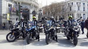 Cuatro chicas y motos Casa America