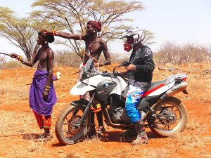 BMW-Kenia-Masais-