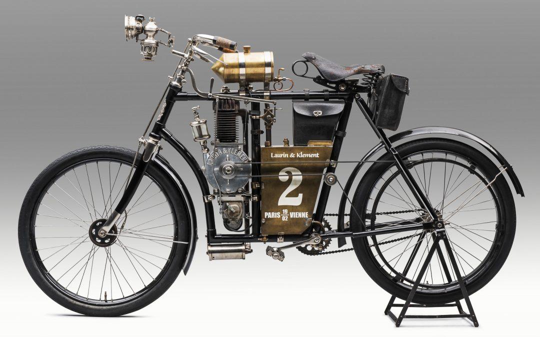 Skoda empezó fabricando motocicletas.